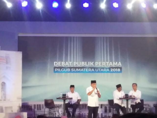 Debat Pilgubsu: Edy Ditanya Soal Hutan, Sihar Sitorus Tenggak Air Minum