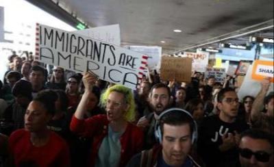 Visa Wisatawan Muslim di Amerika Dicabut