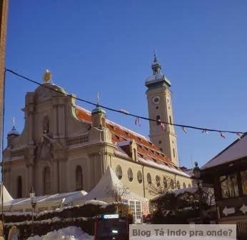 Viktualienmarkt em Munique