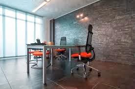 elegir suelo para oficina moderna