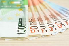 Turpmāk nekustamos īpašumus vairs nevarēs iegādāties skaidrā naudā
