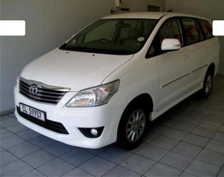 Toyota Innova G 8-Seater Cool Wallpaper | Auto Emb