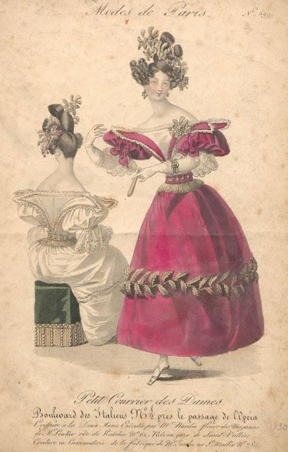e59d7e6242 Báli öltözék cseresznye színű gaze de Saint-Valliereből, hasonszínű gros de  Naples alsóruha felett, fehér szatén derékkal, keskeny blond csipkével  díszítve, ...