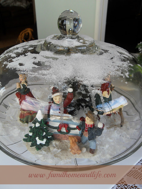 Hill House Homestead: Easy Christmas Decorating Idea