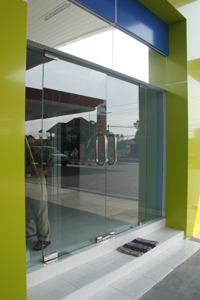 Harga Atap Baja Ringan Asbes Bahan Bangunan 2015: Kaca Tempered