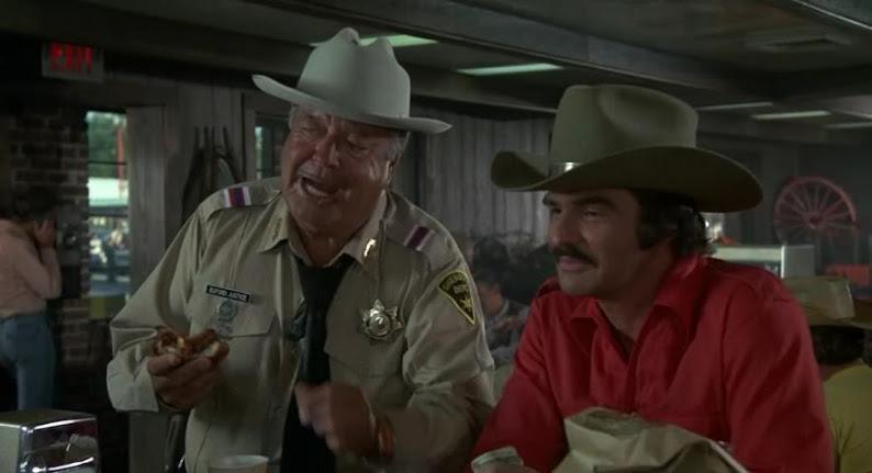 Smokey And The Bandit Trailer >> CLASSIC MOVIES: SMOKEY AND THE BANDIT (1977)