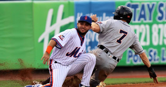 Paez Homer Sparks Mets to 7-2 Win Over Cardinals