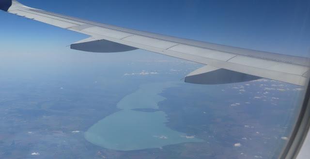 Imprssion Rückflug Sibiu - Nürnberg mit Wizzair - Balaton/Plattensee von oben