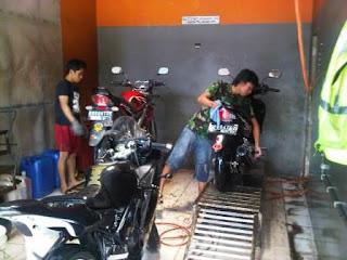 stand cuci motor besi