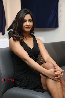 Telugu Actress Kamna Singh Stills in Black Dress at Bharat Thakur Art Exhibition Launch  0162.jpg