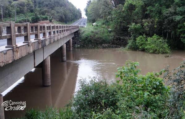 Acumulado de chuvas dos últimos dias deixa nível do Rio Canoinhas em 4,84m
