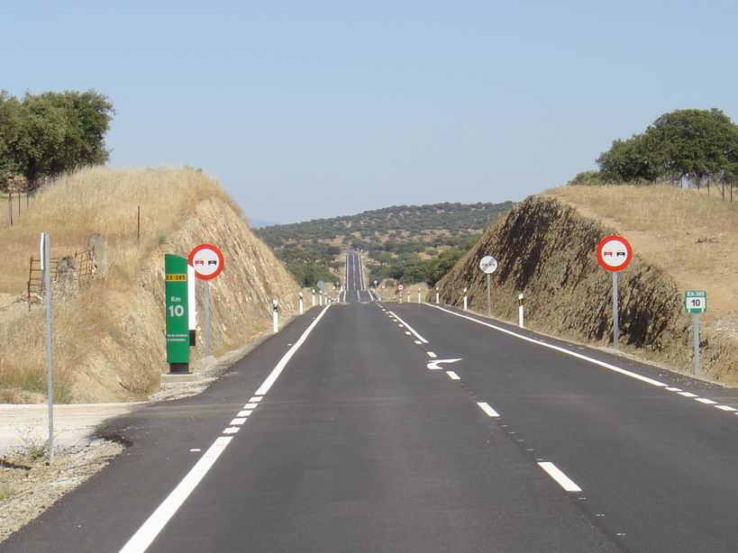 Resultado de imagen de carreteras junta extremadura