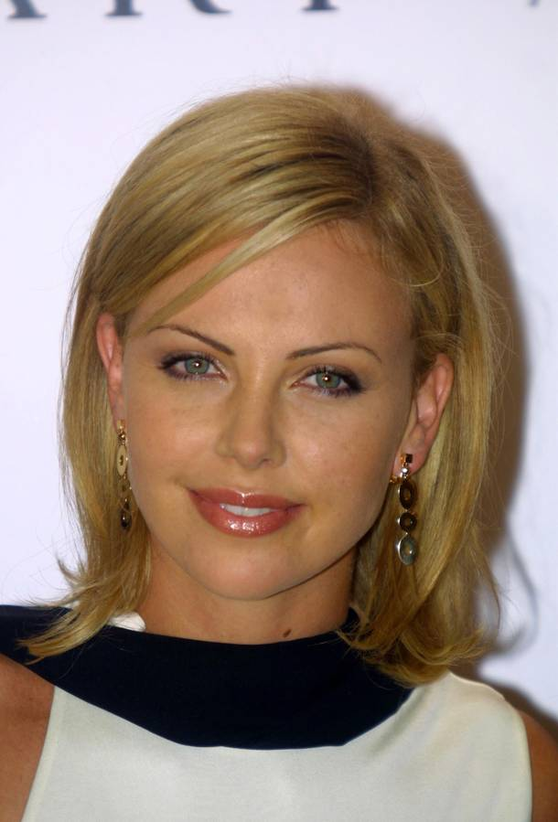 Pictures Of Hair Styles: Charlize Theron Hairstyle Trends: Charlize Theron