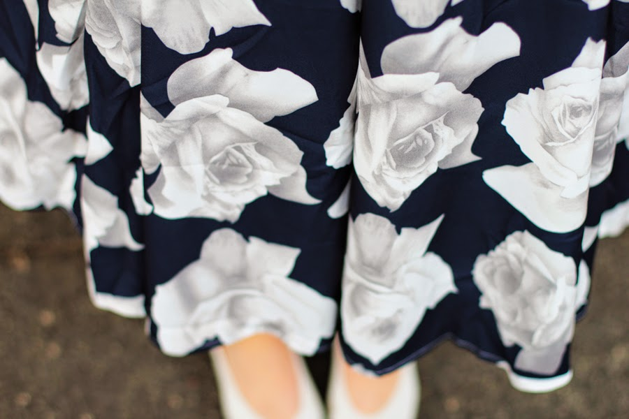 ROSES FASHION STYLE DETAIL OUTFIT OOTD