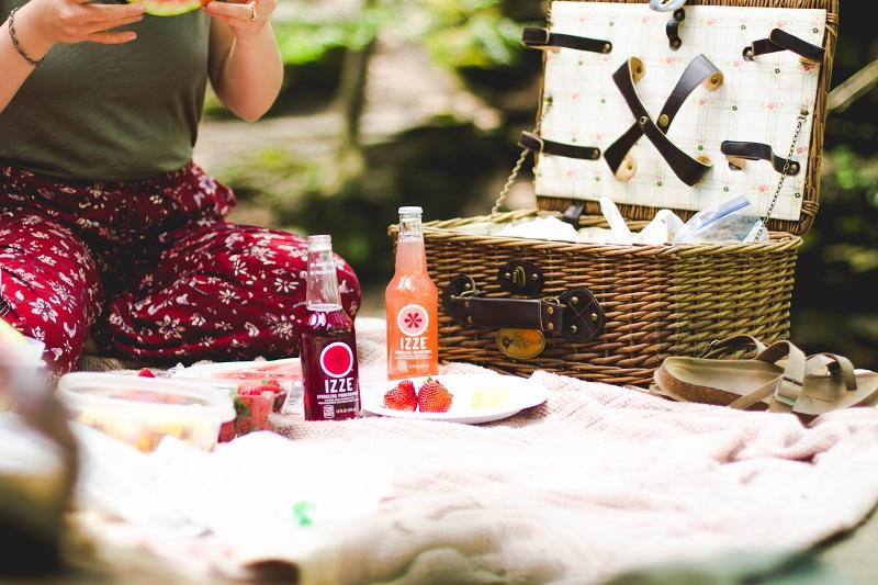 Come organizzare un picnic party in giardino