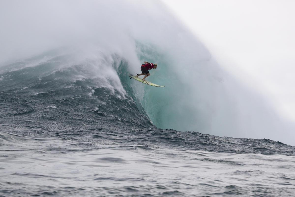 El viento empaña la primera jornada del Jaws Challenge