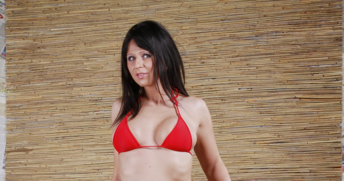 Sideboobs Bikini Sue Casey  naked (39 photos), YouTube, panties
