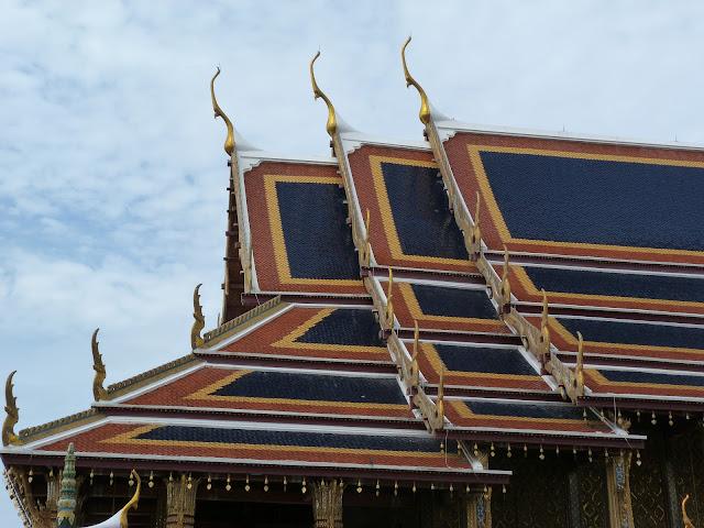 Tejados del palacio real de Bangkok