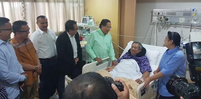 SBY Ngakak Dicandain RR Jadi Penentu Capres Alternatif