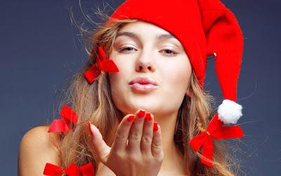 Santa-Girl-kiss-red-wallpaper