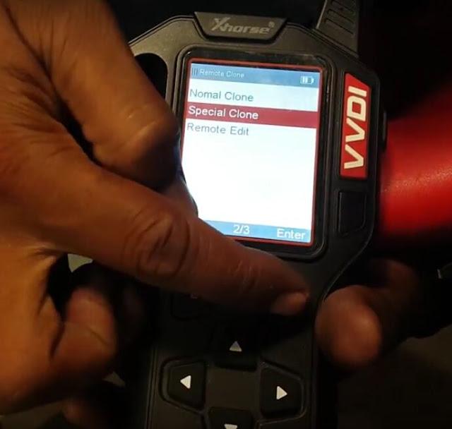 vvdi-key-tool-copy-Mahindra-Scorpio-remote-2
