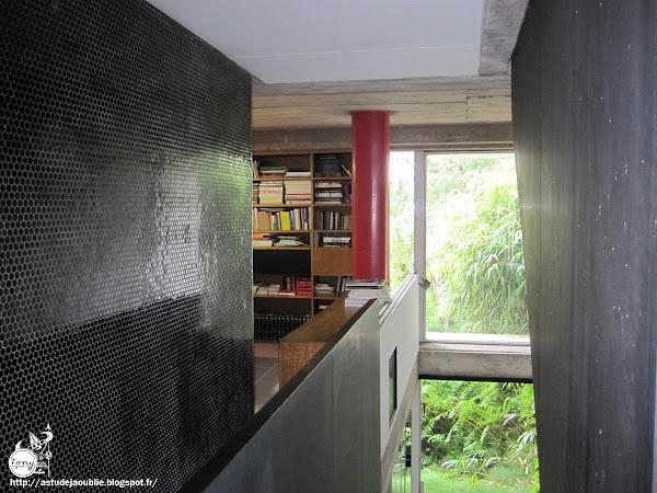 Saint-Rémy-lès-Chevreuse - Maison de Marta Pan et d'André Wogenscky  Architecte: André Wogenscky  Sculptures:  Marta Pan  Construction: 1952