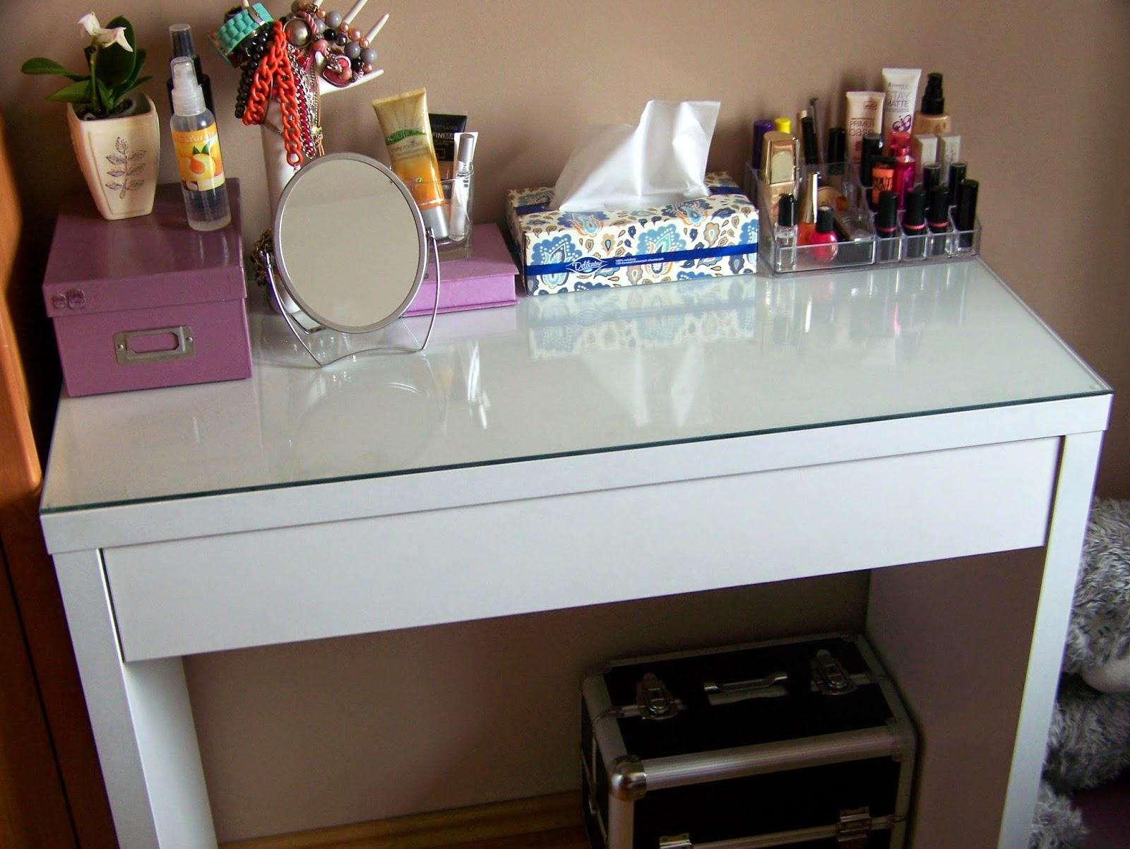 Moja toaletka, czyli organizacja kosmetyków