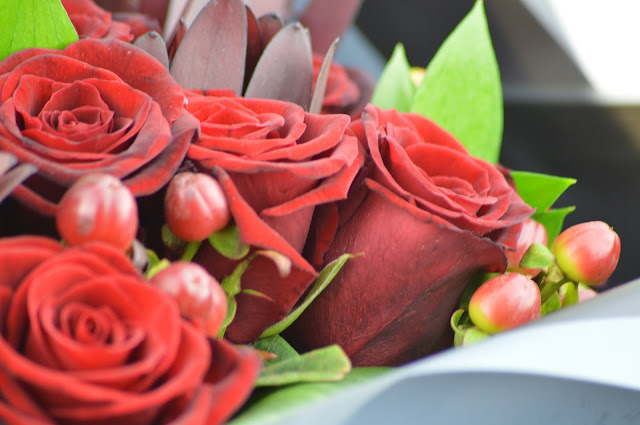 Lovelaughslipstick Blog - Valentines Day Flowers from Prestige Flowers