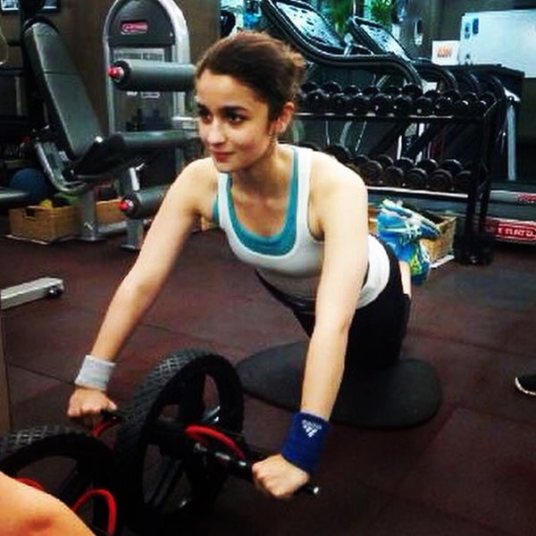 Alia+Bhatt+to+give+her+arm+and+leg+for+working+with+Meghna%2C+Zoya+and+Gauri+again%211.jpg