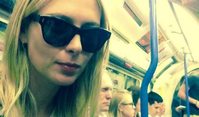 Maria Sharapova en el tube de Londres