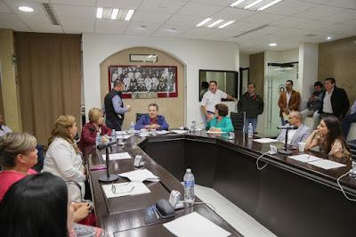 Analiza comisión proyecto de dictamen de reforma a Ley Orgánica del Poder Legislativo