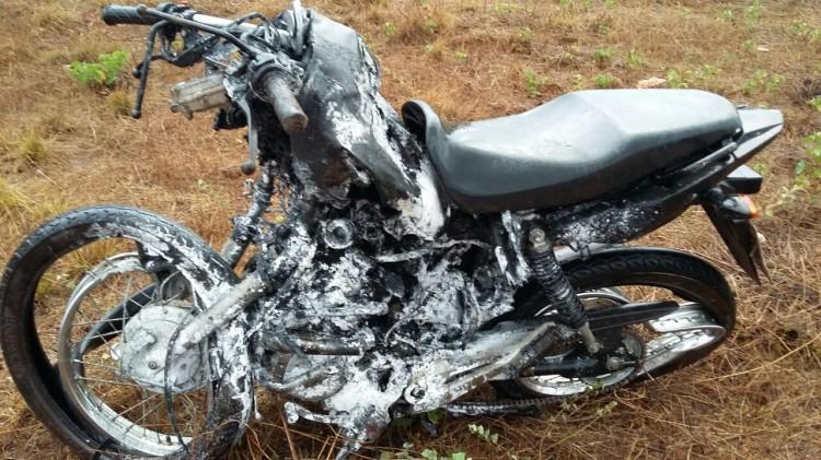 Jovem morre após colisão com caminhão na BR-343 em Piripiri