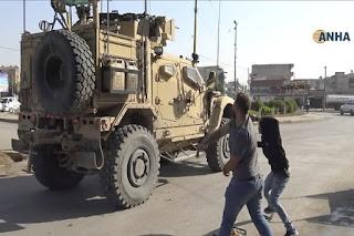 Tentara AS Dilempari Kentang oleh Warga Kurdi
