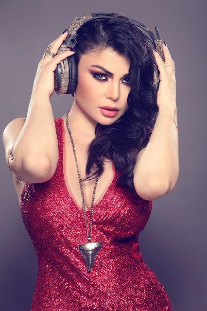Haifa Wehbe adalah aktris dan penyanyi yang terkenal di Timur Tengah (Lebanon). Dia menjadi model profesional di usia muda dan memenangkan gelar 'Miss South Lebanon' ketika ia masih berusia 16 tahun.