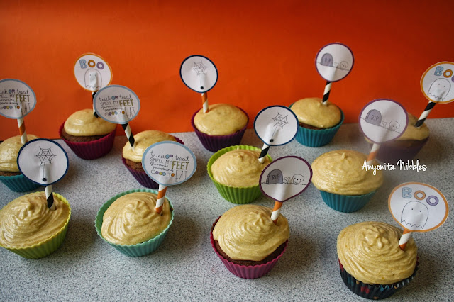 Sticky Toffee Pudding Cupcakes with Pumpkin Buttercream and Halloween Cupcake Toppers from www.anyonita-nibbles.com