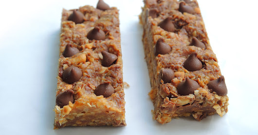 Peanut Butter & Chocolate Chip Granola Bars