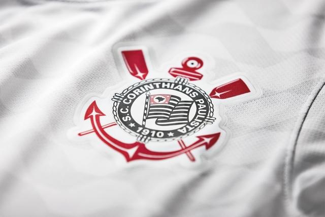 Torcedor cria possível nova camisa 1 do Corinthians e Fiel enlouquece; veja foto