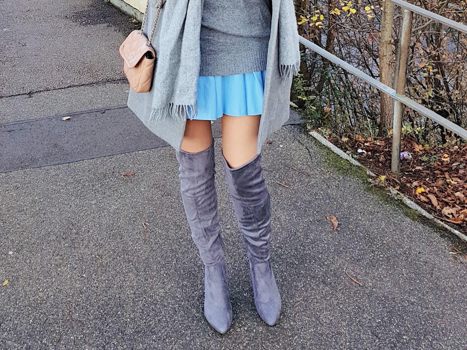Grey coat & pleated skirt czyli strój dnia