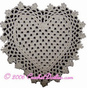 http://translate.google.es/translate?hl=es&sl=en&u=http://www.crochetdoilies.com/crochet_heart_coaster.html&prev=search