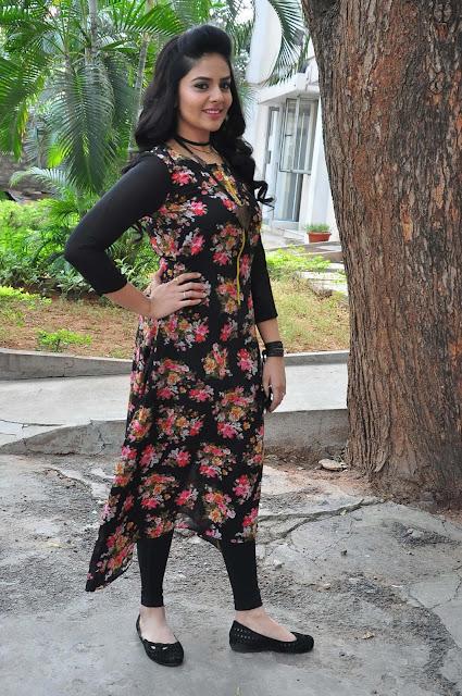 Srimukhi in Designer Ridhi Mehra Black Printed Long Kurti