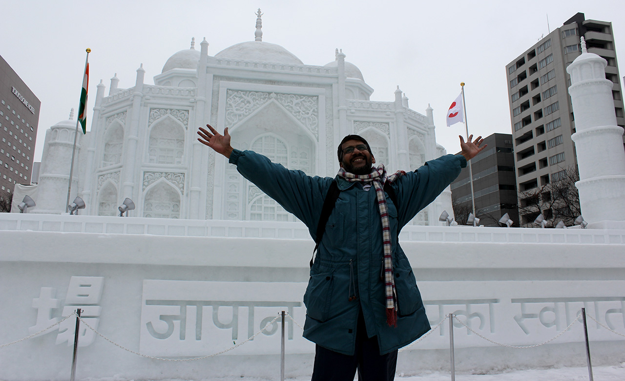 Pahatan Salju Taj Mahal
