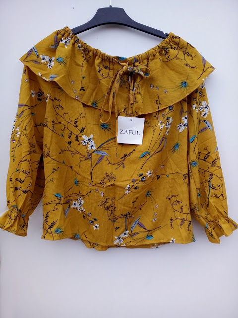 majica, blouse, off the shoulder, zaful, moje iskustvo sa zaful, zaful experience, floral print, cvjetni uzorak, mustard yellow, senf žuta, jesen, autumn, outfit, moda, fashion