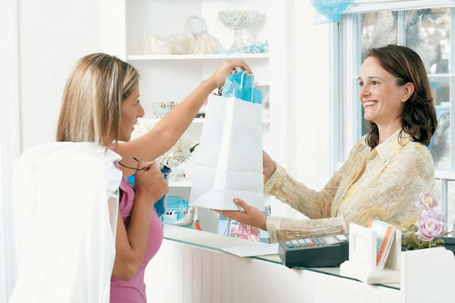 Ζητείται πωλητής/πωλήτρια για κατάστημα στο Άργος