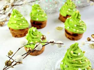 Cupcakes sapins de Noël {quatre-épices chocolat blanc} et l'origine du sapin de Noël