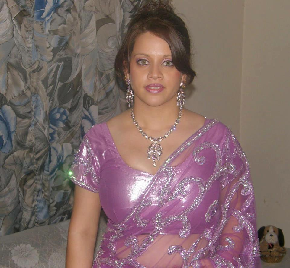 Hot Indian Aunties Photos Saree Pics: South Indian Aunties
