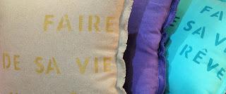 coussins fait main et peint au pochoir
