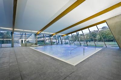 Binnenzwembad Litomysl - kinderbad - moderne architectuur