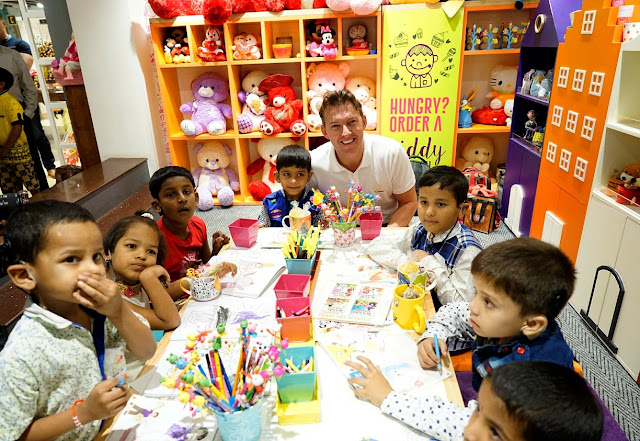 Let's pledge to free India from deafness: Brett Lee