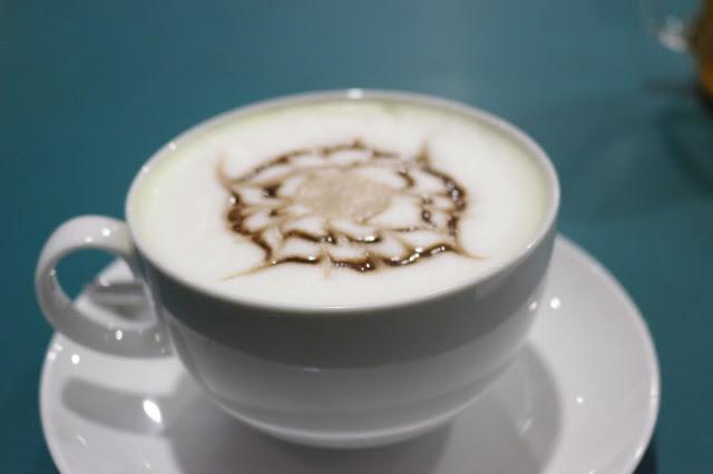 Banana Latte ala Clover Cafe Pontianak