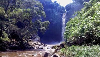 Tempat wisata Air Terjun Coban Baung di pasuruan jawa timur